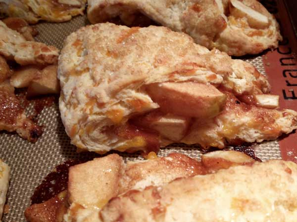 apple-cheddar-scones-(11)